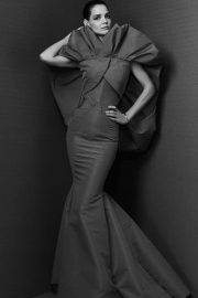 Katie Holmes Poses for Zac Posen Fall 2018 Ready-to-Wear Collection 2018