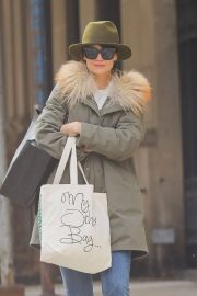 Katie Holmes Stills Out and About in New York 2018/02/06