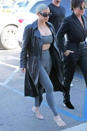 Kim Kardashian Stills Out for a Sushi in Los Angeles 2018/02/08