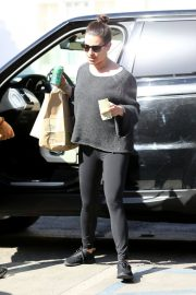 Lea Michele Stills Arrives at a Hair Salon in Los Angeles 2018/02/12