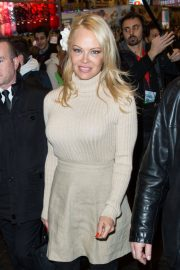Pamela Anderson Stills Out and About in Paris 2018/02/03