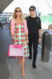 Paris Hilton and Chris Zylka Stills at LAX Airport in Los Angeles 2018/02/08