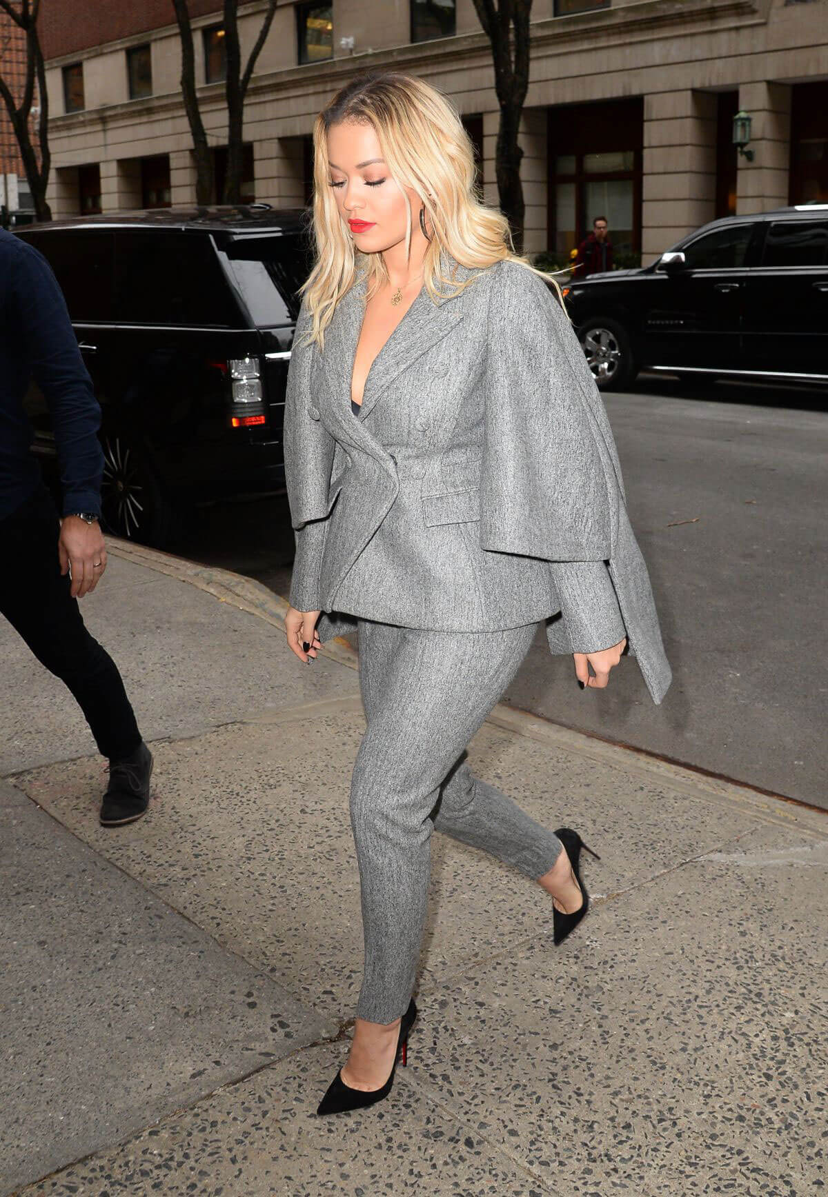 Rita Ora Stills Out and About in New York 2018/02/01