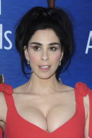 Sarah Silverman Stills at Writers Guild Awards 2018 in Beverly Hills 2018/02/11