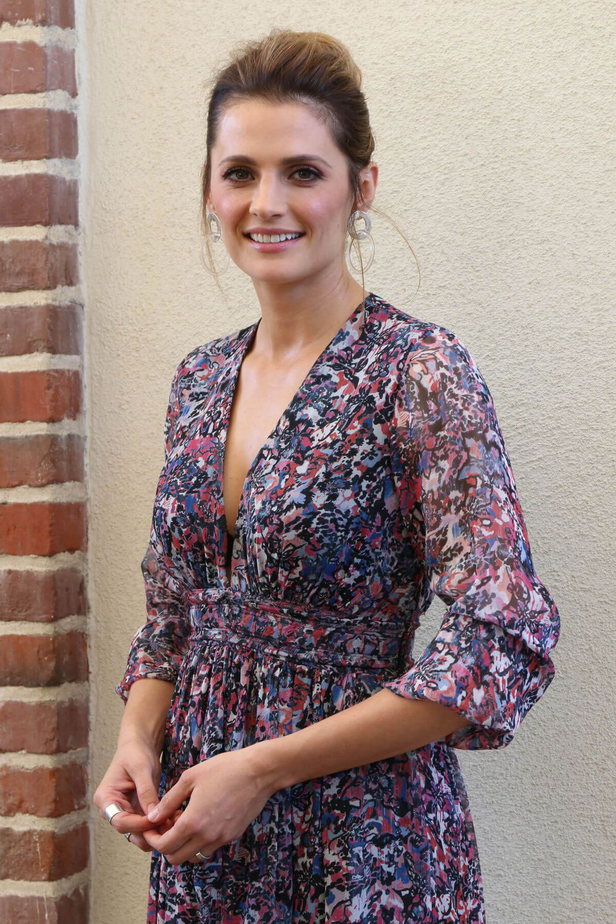 Stana Katic Stills at HFPA Offices in Los Angeles 2018/01