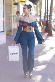 Tao Wickrath Stills Shopping at Capsula Store on Miami Beach 2017/11/13