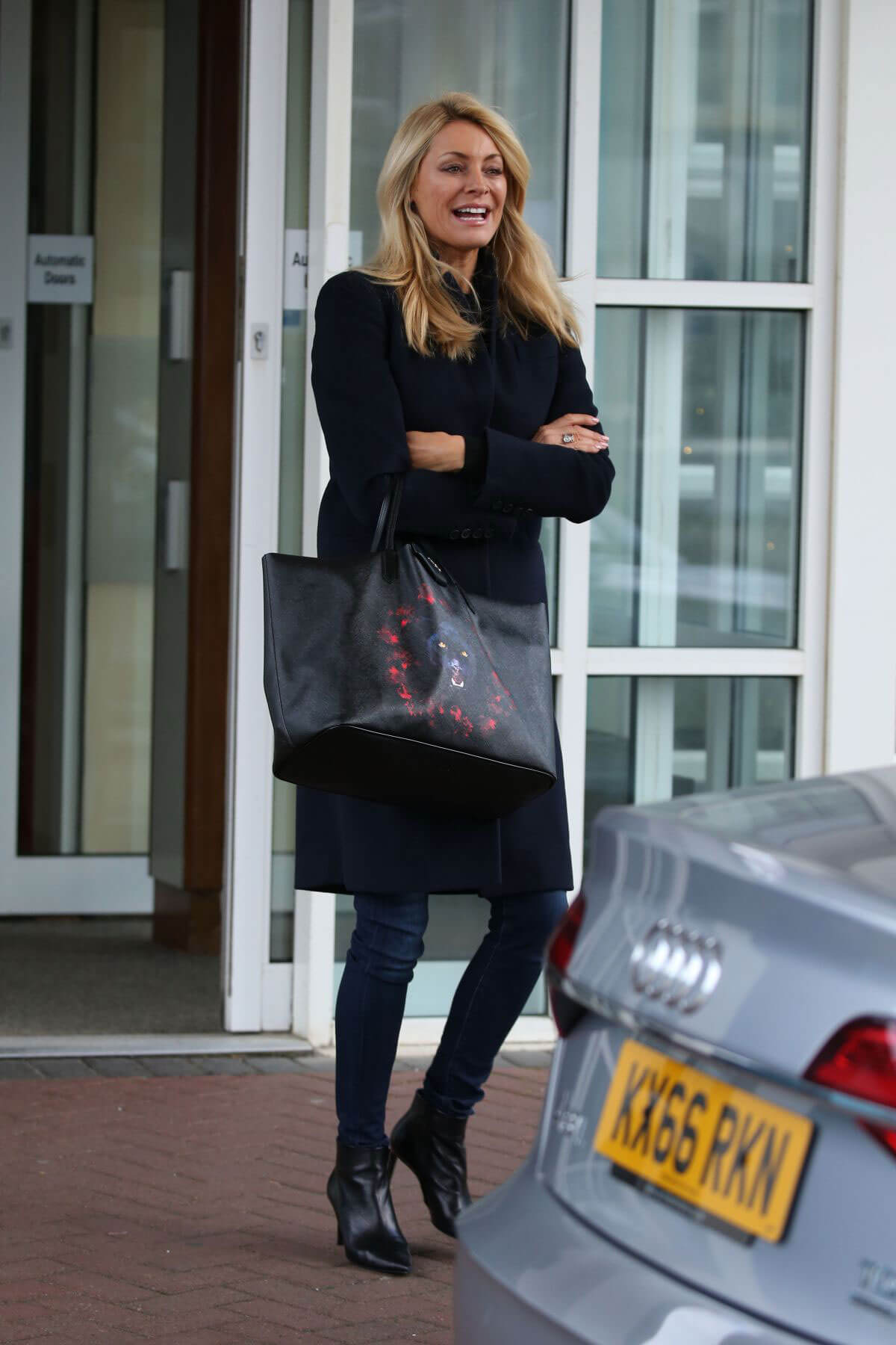 Tess Daly Stills Leaves Her Hotel in Blackpool 2017/11/18