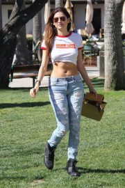 Blanca Blanco Stills in Ripped Jeans Out Shopping in Malibu 2018/03/28 4