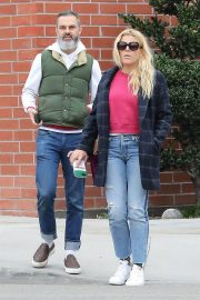 Busy Philipps and Marc Silverstein Stills Out Shopping in Beverly Hills 2018/03/20