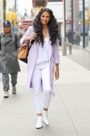 Camila Alves Stills Out and About in New York 2018/03/28 4