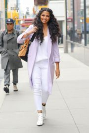 Camila Alves Stills Out and About in New York 2018/03/28 5