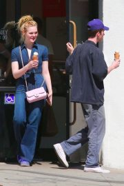 Elle Fanning Stills Out on a Date in Los Feliz 2018/03/27