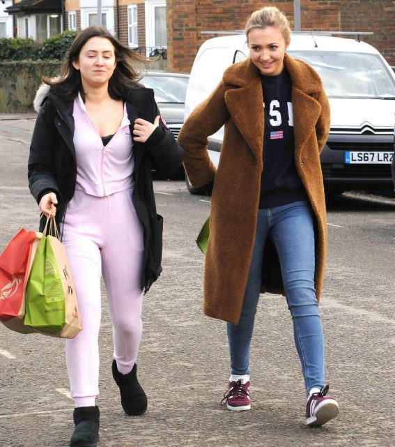 Jasmine Armfield and Tilly Keeper Stills Out for Lunch in London 2018/03/27