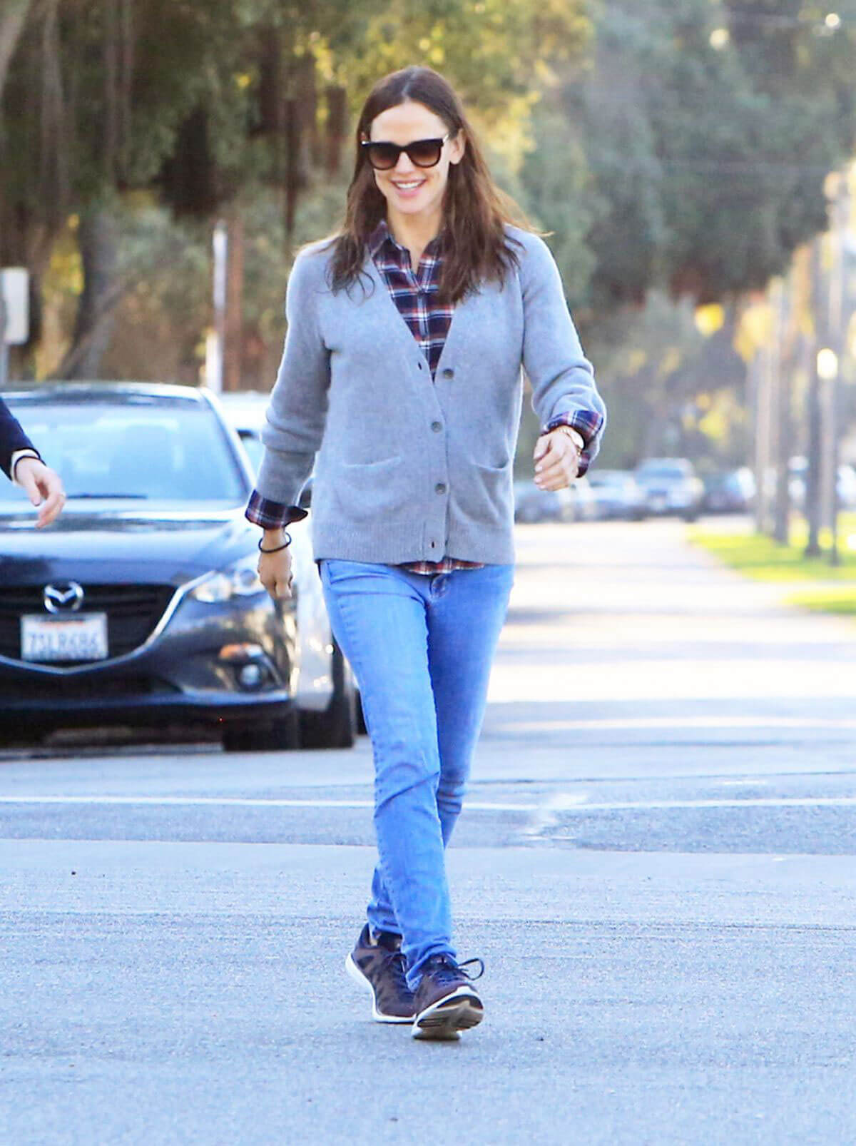 Jennifer Garner Stills in Jeans Out For Lunch In Los Angeles 2018/03/28 10