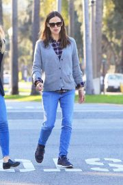 Jennifer Garner Stills in Jeans Out For Lunch In Los Angeles 2018/03/28 14