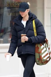 Karlie Kloss Stills Leaves Little Cupcake Bakeshop in New York 2018/03/23
