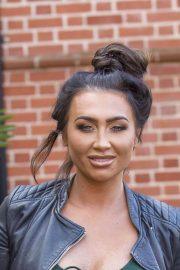 Lauren Goodger Stills Out and About in Essex 2018/03/28 4