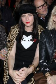 Michele Hicks Stills at Anna Sui Fall/Winter 2018 Fashion Show at NYFW in New York 2018/02/12