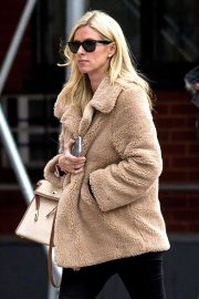 Nicky Hilton Stills Out and About in New York 2018/03/28 4
