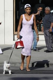 Nicole Murphy Stills in Tight Dress Out with Her Dog in Beverly Hills 2018/03/28 7