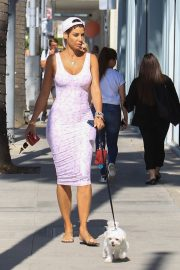 Nicole Murphy Stills in Tight Dress Out with Her Dog in Beverly Hills 2018/03/28 9