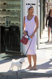 Nicole Murphy Stills in Tight Dress Out with Her Dog in Beverly Hills 2018/03/28 14