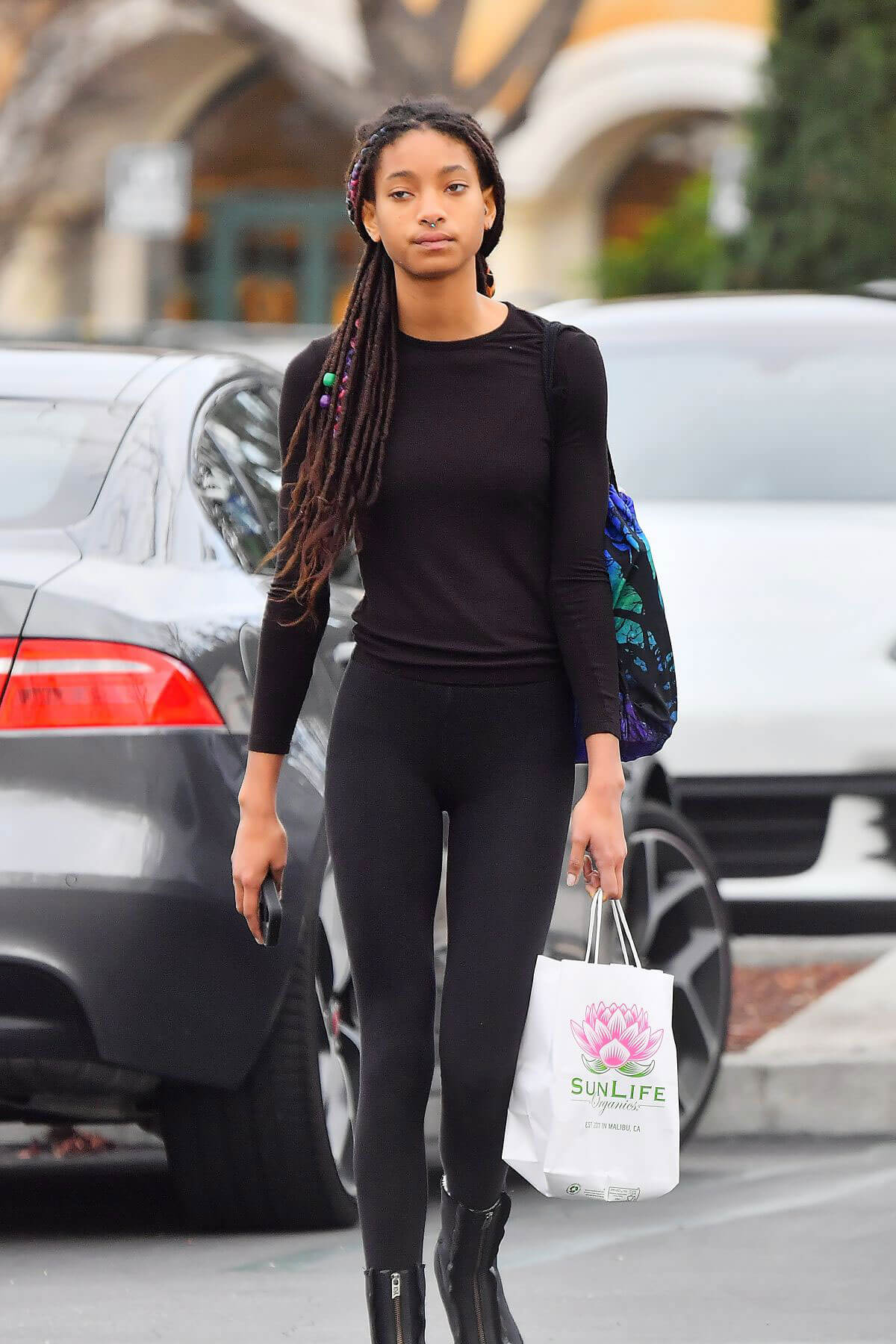Willow Smith Stills Out and About in Calabasas 2018/03/16