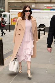 Abigail Spencer Stills Arrives at Today Show in New York 2018/04/03 9