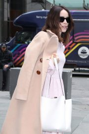 Abigail Spencer Stills Arrives at Today Show in New York 2018/04/03 13
