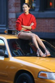Adriana Lima Stills on the Set of a Photoshoot in New York 2018/04/20 8