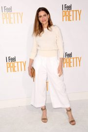 Amanda Peet Stills at I Feel Pretty Premiere in Los Angeles 2018/04/17 1