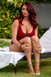 Amy Childs Stills in Swimsuit at a Pool in Cape Verde 2018/03/27 5