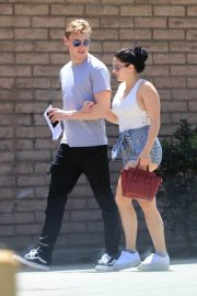 Ariel Winter and Levi Meaden Stills Renew Their Driver Licenses in Los Angeles 2018/04/25 14