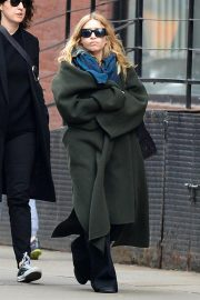 Ashley Olsen Stills Out and About in New York 2018/04/01 2