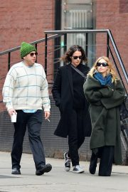 Ashley Olsen Stills Out and About in New York 2018/04/01 3