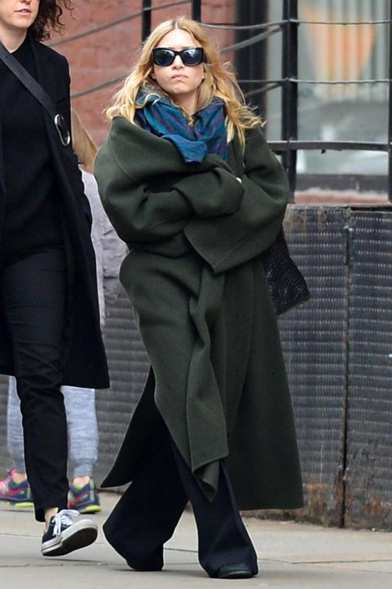 Ashley Olsen Stills Out and About in New York 2018/04/01 7