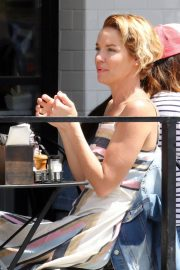 Ashley Scott Stills Out for Lunch in Los Angeles 2018/04/06 6