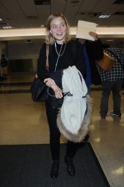 Bella Heathcote Stills at Los Angeles International Airport 2018/04/20 9