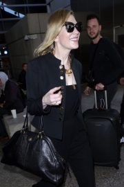 Cate Blanchett Stills at LAX Airport in Los Angeles 2018/04/22 3