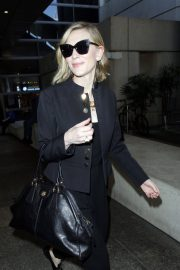 Cate Blanchett Stills at LAX Airport in Los Angeles 2018/04/22 6