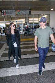 Chloe Bridges and Adam Devine Stills at LAX Airport in Los Angeles 2018/04/20 7