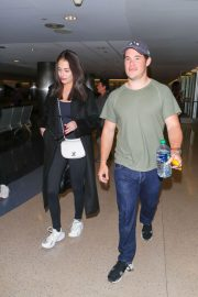 Chloe Bridges and Adam Devine Stills at LAX Airport in Los Angeles 2018/04/20 9