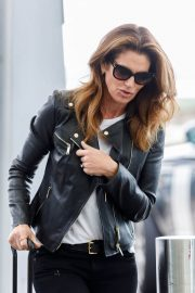 Cindy Crawford Stills at Heathrow Airport to Los Angeles 2018/04/23 10