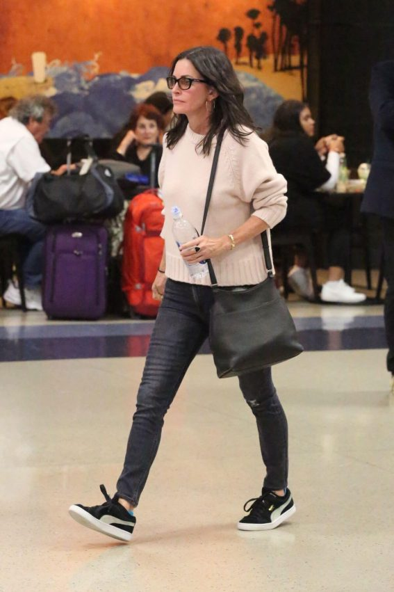 Courteney Cox and Johnny McDaid Stills at LAX Airport in Los Angeles 2018/04/20 5