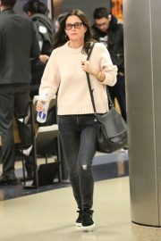 Courteney Cox and Johnny McDaid Stills at LAX Airport in Los Angeles 2018/04/20 7
