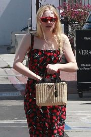 Dakota Fanning Stills Out and About in Beverly Hills 2018/04/23 1
