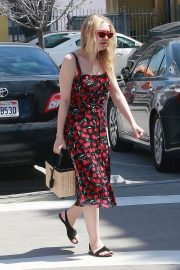 Dakota Fanning Stills Out and About in Beverly Hills 2018/04/23 9