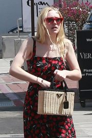 Dakota Fanning Stills Out and About in Beverly Hills 2018/04/23 12