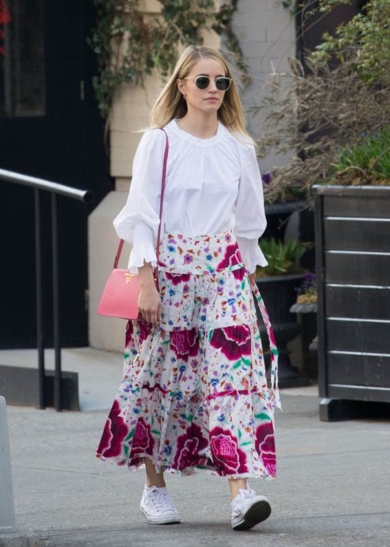 Dianna Agron Stills Out and About in New York 2018/04/13 11