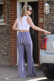 Ferne McCann Stills Out and About in Essex 2018/04/21 5